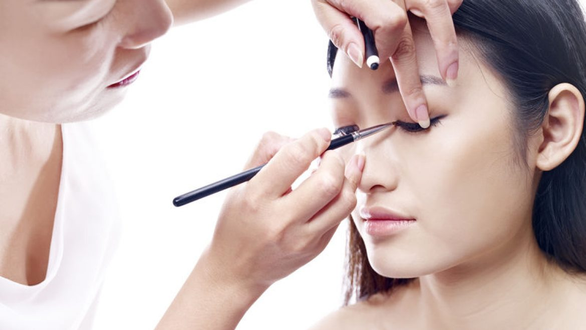 10 Reasons You Need To Hire A Malaysia Makeup Artist For Your Wedding